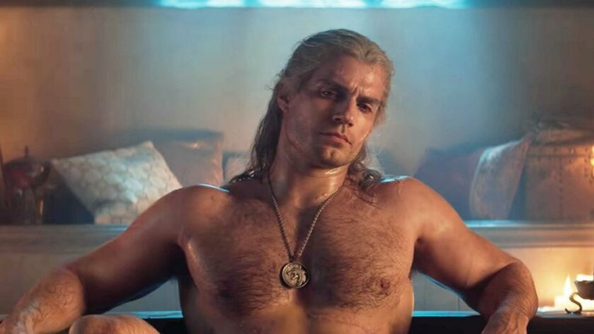 Henry Cavill jako Geralt w kąpieli