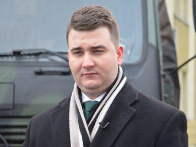 MON ujawnił, ile zarabiał Bartłomiej Misiewicz