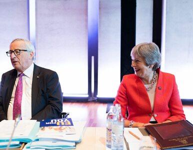 Szef Komisji Europejskiej przedrzeźniał premier May? Zobaczcie, co zrobił