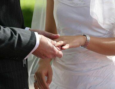 Narzeczeni dłużej poczekają na ślub. Dlaczego?