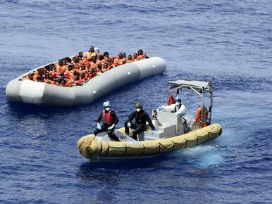 Straż graniczna ostrzelała i zawróciła statek z uchodźcami. Europoseł...