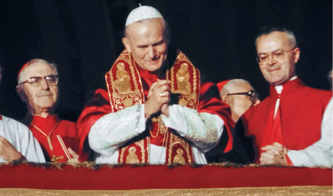 Karol Wojtyła wybrany na Papieża, Watykan 1978 r. Gdy Jan Paweł II ukazał się pierwszy raz na balkonie Bazyliki Św. Piotra, dla opinii publicznej na Zachodzie był niemal nieznany
