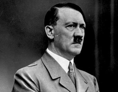 """Austriacka policja poszukuje """"sobowtóra"""" Adolfa Hitlera w mieście..."""