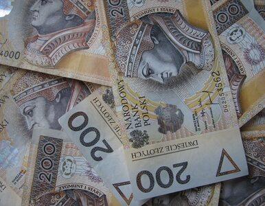 Polacy nie chcą dawać pieniędzy Kościołom. Duży spadek darowizn