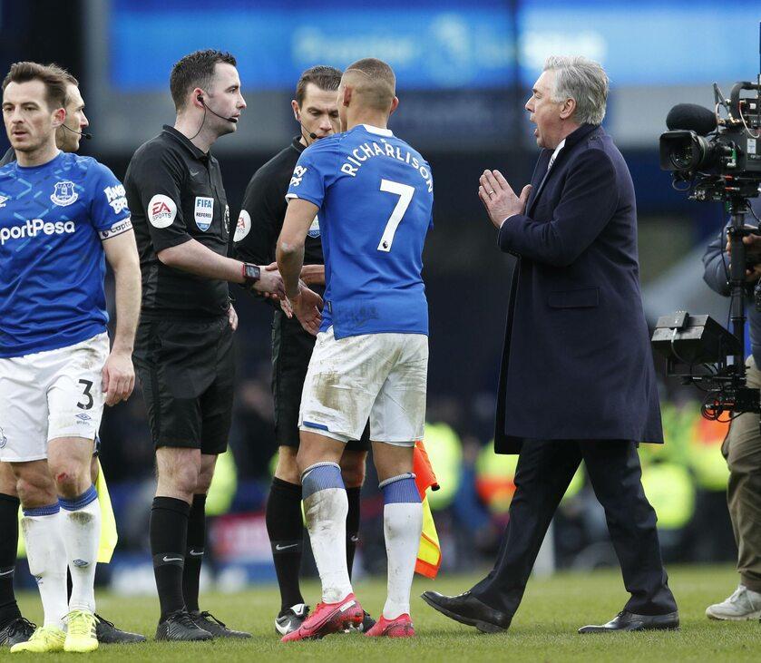 Mecz Premier League pomiędzy Evertonem i Manchesterem United