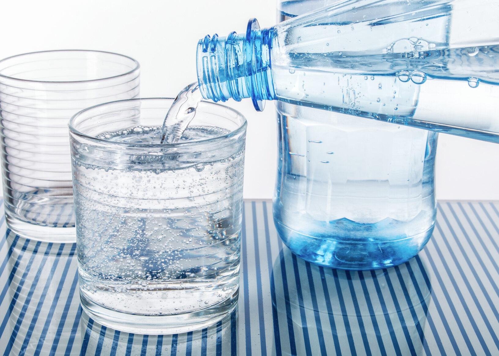 Woda mineralna, zdjęcie ilustracyjne