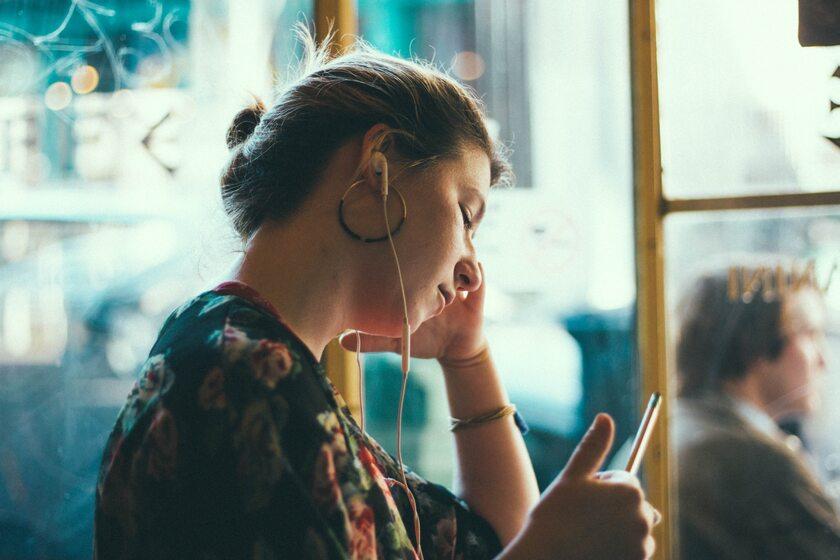 Duży pakiet internetowy umożliwia słuchanie muzyki w sieci prawie bez ograniczeń