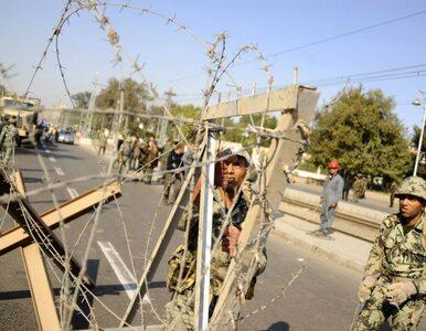 Egiptem rządzi wojsko. Przeciwnicy Mursiego świętują