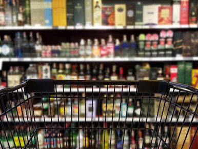 Sejmowe komisje za ograniczeniami w sprzedaży alkoholu. Co może się...