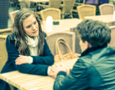 Uwaga na oszustów matrymonialnych! Jak się przed nimi uchronić?