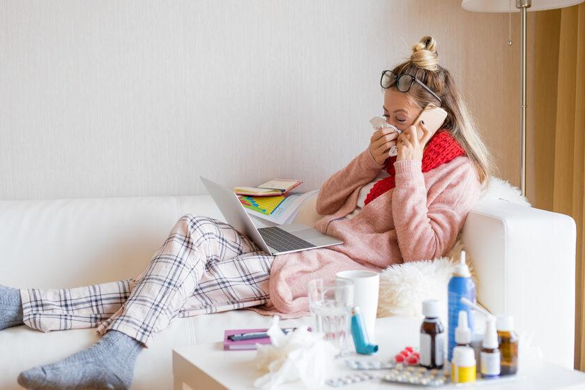 Przeziębiona dziewczyna (zdj. ilustracyjne)