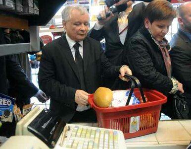 Kaczyński robi zakupy - cena cukru spada