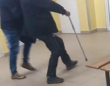 Bulwersująca interwencja ochroniarza w szpitalu. Siłą wyrzucił starszego...