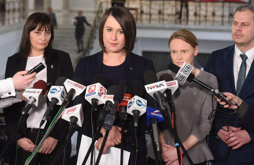 """Anna Maria Siarkowska, Magdalena Błeńska oraz Małgorzata Janowska, członkinie koła """"Republikanie"""""""