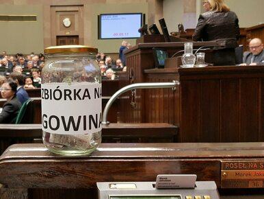 Opozycja zorganizowała zbiórkę pieniędzy dla Jarosława Gowina