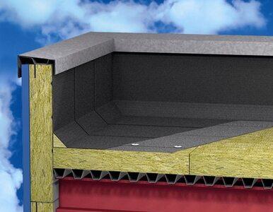 Dach płaski na blasze trapezowej - jak ocieplać?