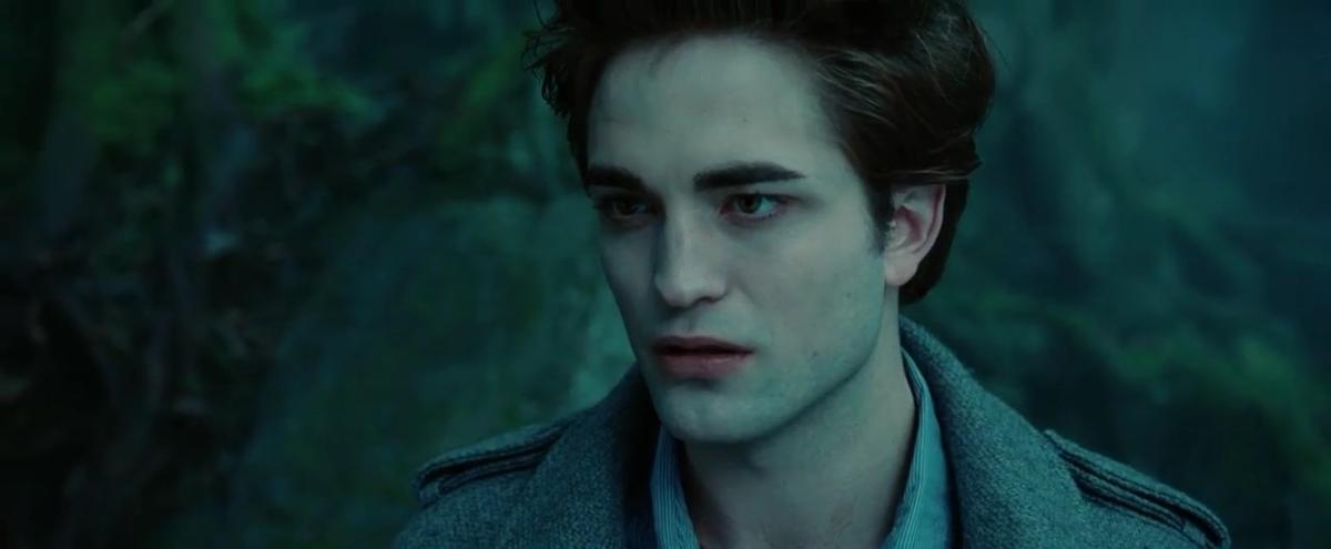 """Robert Pattinson w filmie """"Zmierzch"""" (2008)"""