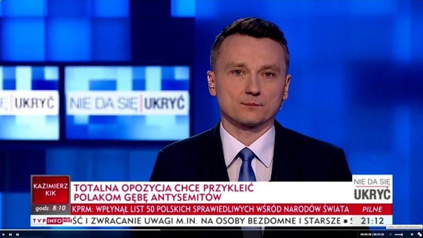 Paski informacyjne w TVP Info