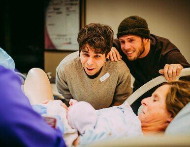 61-latka urodziła dziecko swojemu synowi i jego partnerowi