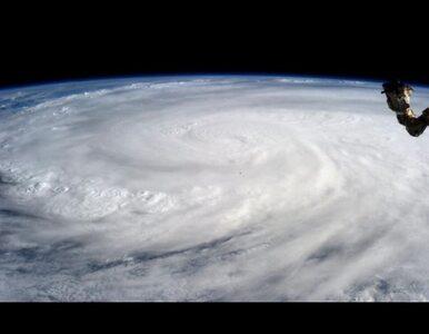 """""""Jedno wielkie zniszczenie"""". Tysiące ofiar największego tajfunu w historii"""