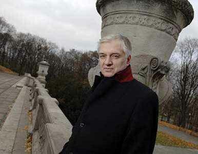 Gowin: Kościół nie jest bogaty. W klasztorach pali się drewnem z lasu