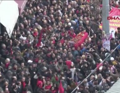 Dziesiątki tysięcy żałobników przeszły ulicami Stambułu