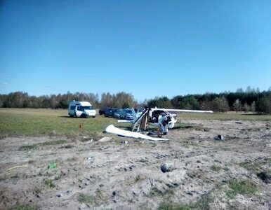 Ultralekki samolot spadł w Bobrownikach. Pilot zahaczył o linie...