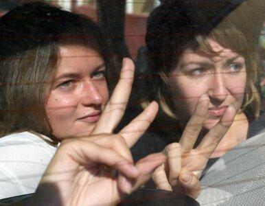 Białoruski sąd skazał dziennikarki za fotografowanie się z... pluszowym...