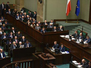 Najnowszy sondaż. Cztery partie w Sejmie, PiS z rekordową przewagą