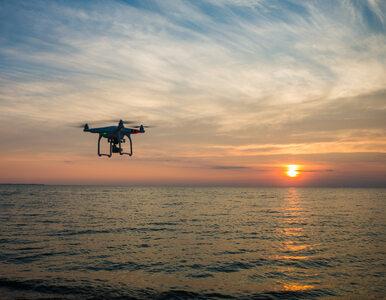 """Koniec z golizną na plaży. Teraz zamiast policji, """"patrolować"""" będą drony"""