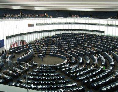UE trwoni setki milionów euro