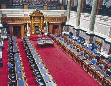 Złodziej w brytyjskim parlamencie? Giną laptopy, telefony i alkohol