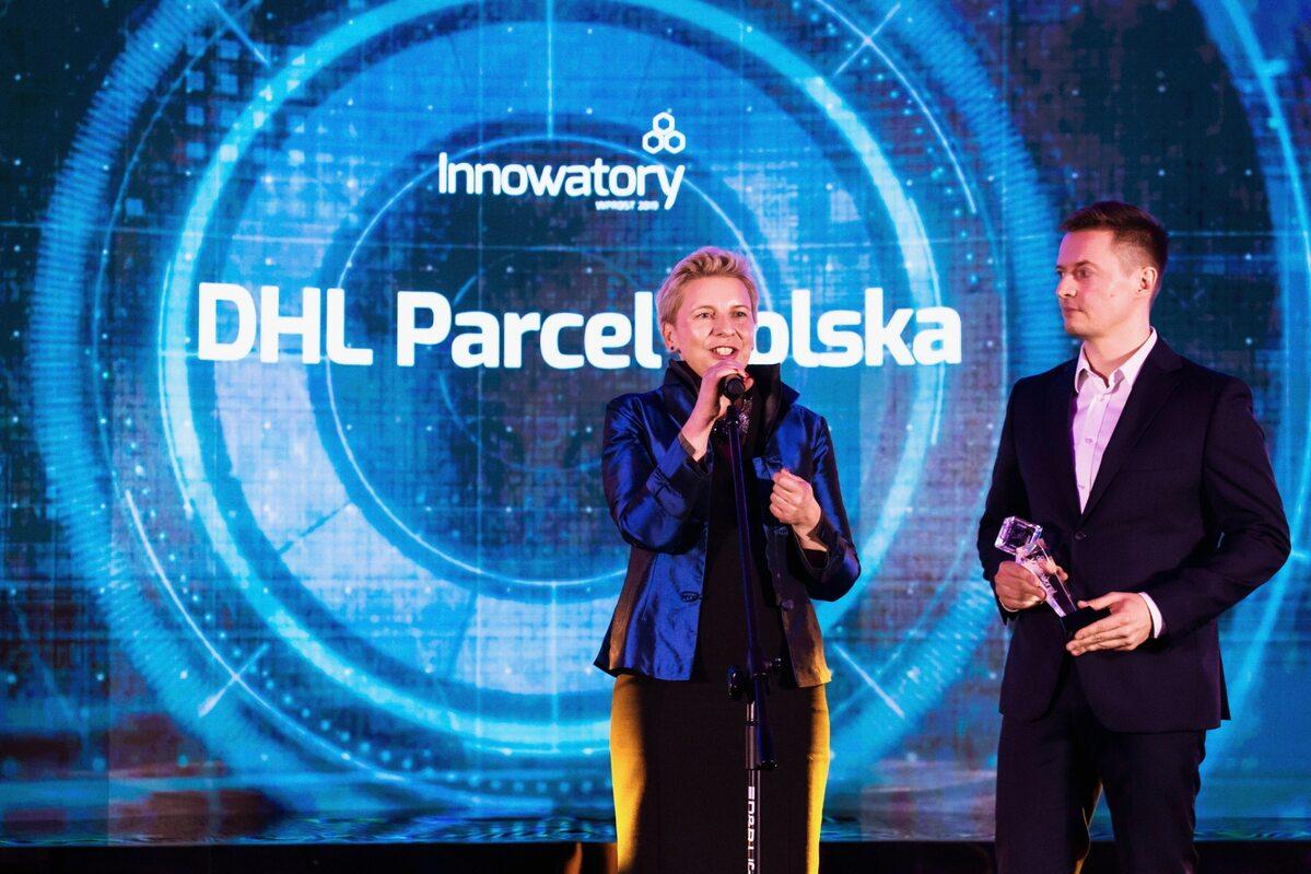 Tina Sobocińska i Bartłomiej Wnęk Tina Sobocińska, dyrektor ds. personalnych i komunikacji oraz Bartłomiej Wnęk, dyrektor ds. operacyjnych DHL Parcel Polska