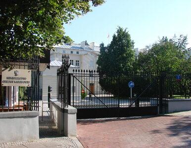 Zmiana siedziby MON. Powodem...sąsiedztwo rosyjskiej ambasady
