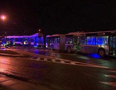 Zderzenie autobusu z tramwajem w Krakowie. Poszkodowanych 13 osób