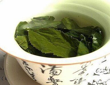 Zielona herbata pomaga schudnąć?