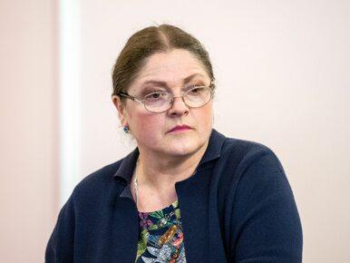 Krystyna Pawłowicz zasypała premiera pytaniami. Pisze o uchodźcach,...