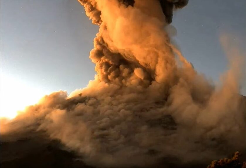 Erupcja wulkanu Popocatépetl