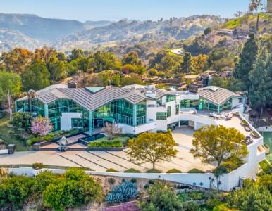 Pharrell Williams sprzedaje swój ogromny dom na Mulholland Drive. Cena?...
