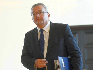 Minister o unijnej dyrektywie: Wyeliminuje polskie firmy, to ponad 100...