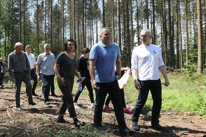 Gabinet cieni PO w Białowieży