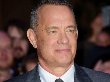 """Tom Hanks składa życzenia Polce i śpiewa """"Sto lat"""". Zobacz wzruszające..."""