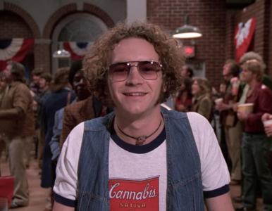 """Danny Masterson, aktor znany z serialu """"Różowe lata 70."""", oskarżony o..."""