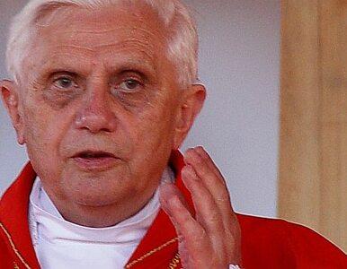 Benedykt XVI: wielki smok prześladuje Kościół