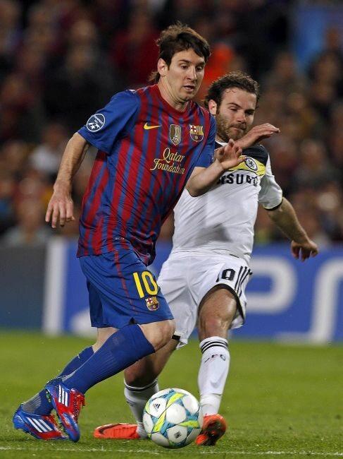 Lionel Messi bardzo chciał zrehabilitować się za mecz z Realem, który Barcelona przegrała na Camp Nou 1:2 (fot. EPA/ALBERTO ESTEVEZ/PAP)